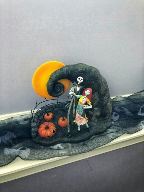 Jack Skellington Cheesecloth-Unique Halloween Decorating Tips