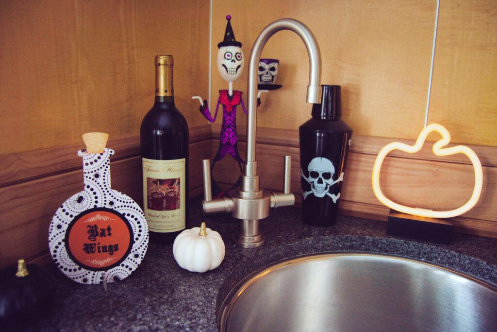 Create a Halloween Bar